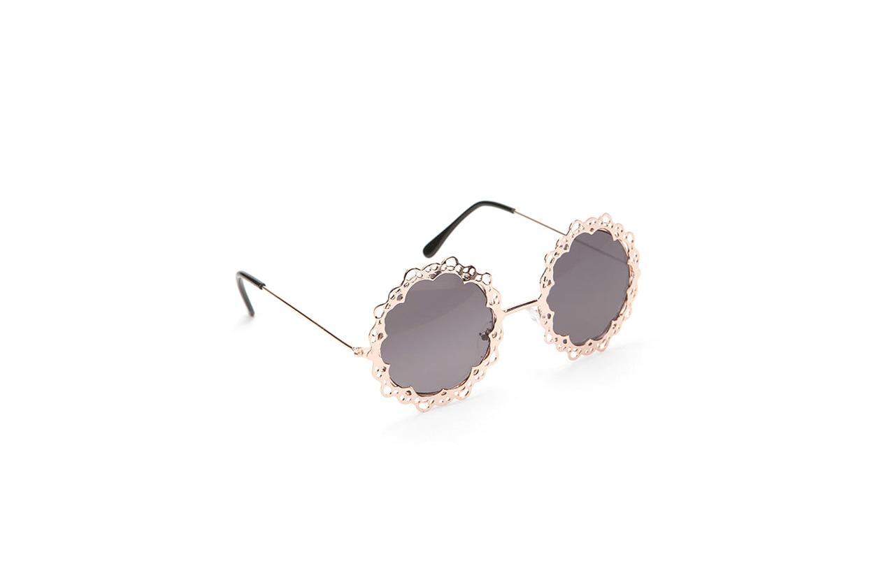 Il pizzo al laser degli UO Love Lace Sunglasses
