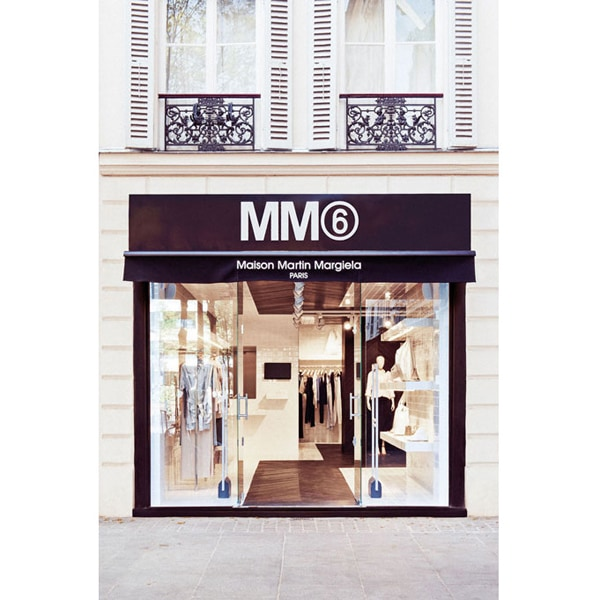 MM6 inaugura a Parigi