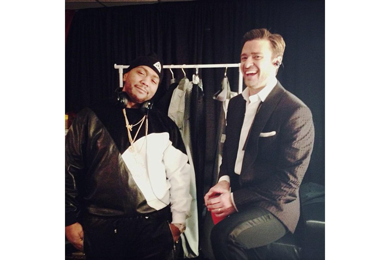 Justin Timberlake si rilassa nel backstage