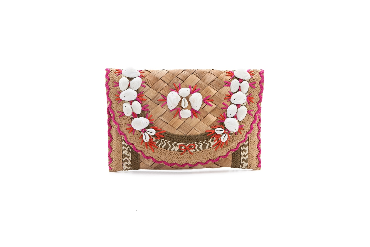 Fashion Top list Sirene Pochette in raffia e conchiglie di Anya Hindmarch