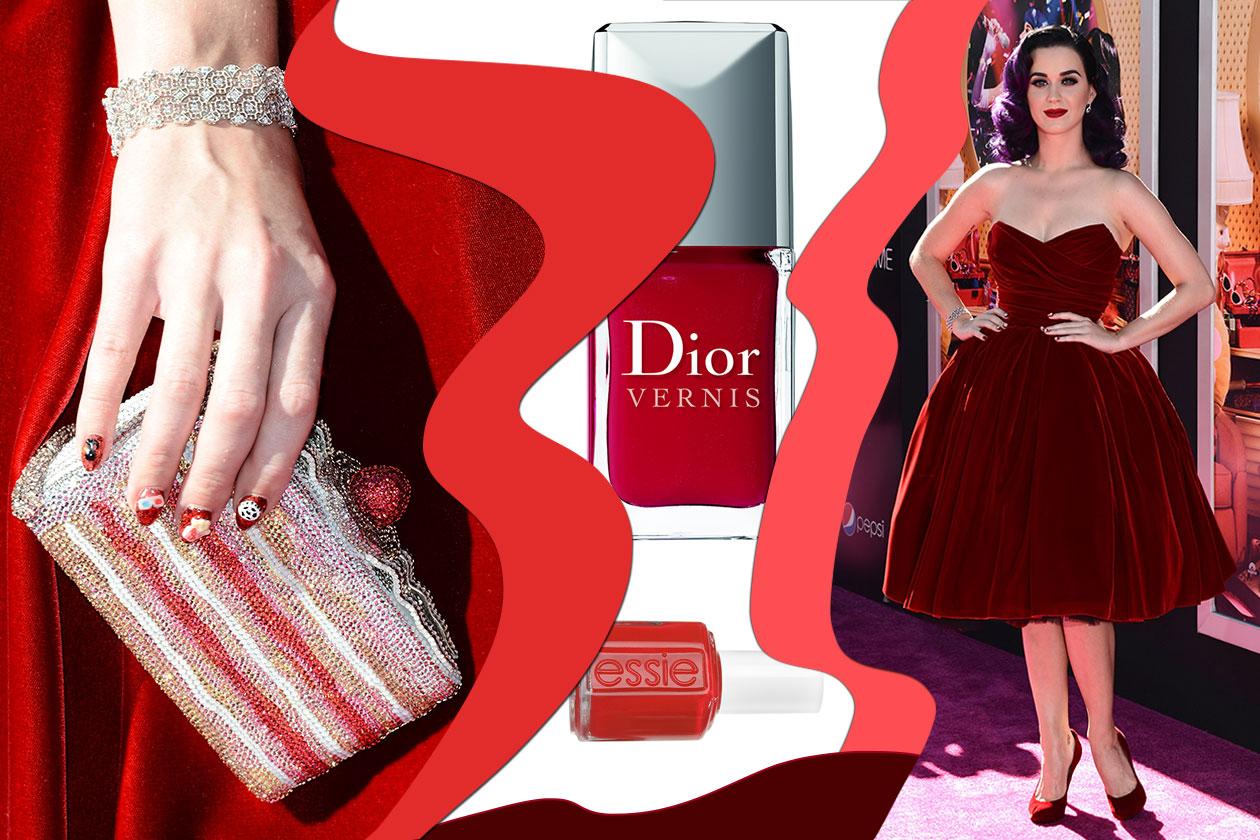 Sempre molto ironica, Katy Perry sceglie un adesivo diverso per ogni unghia (Dior – Essie)