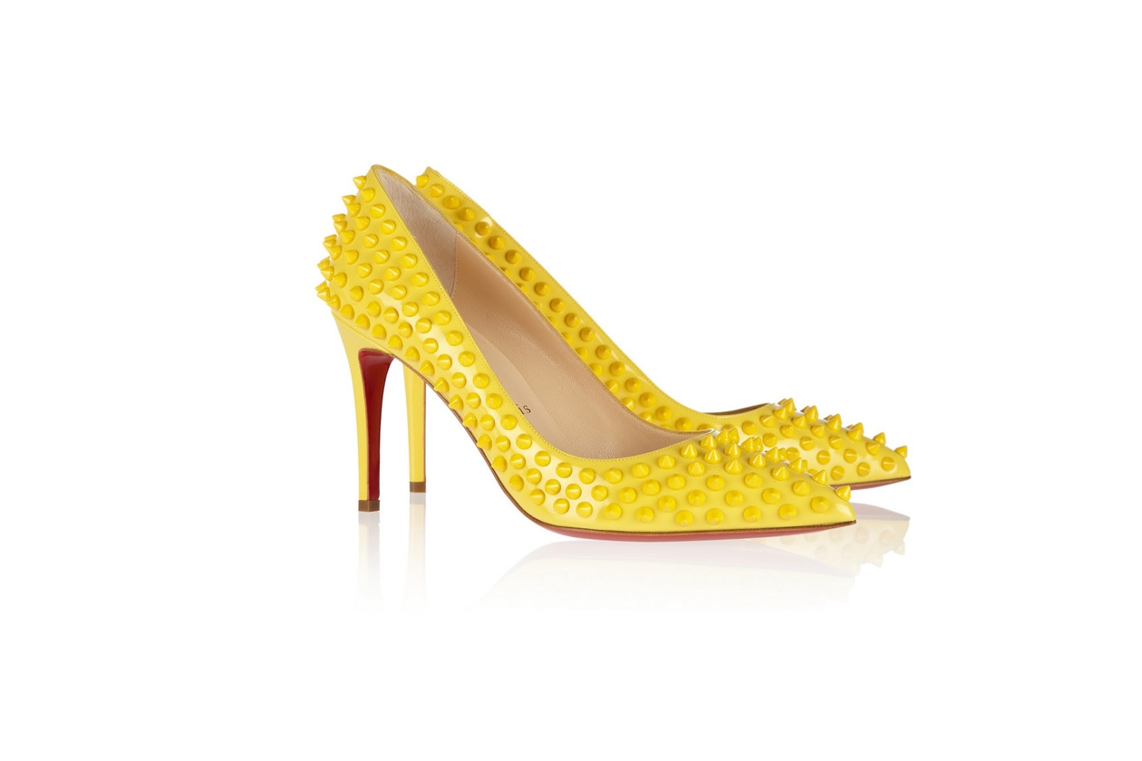 decolletee-borchie-giallo-christian-louboutin
