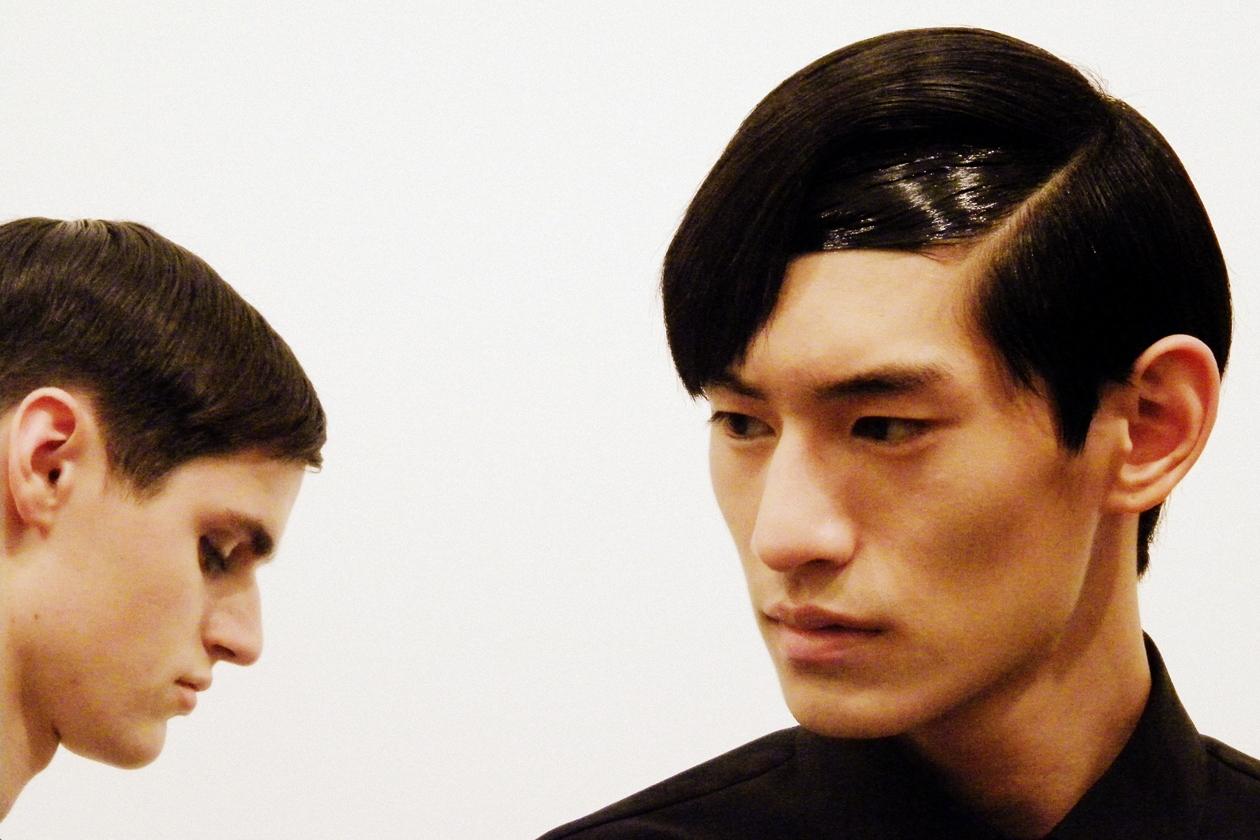Sleek hair anche per il modello Tae Hwan