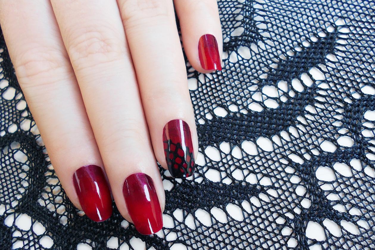 05 RedDots nailart