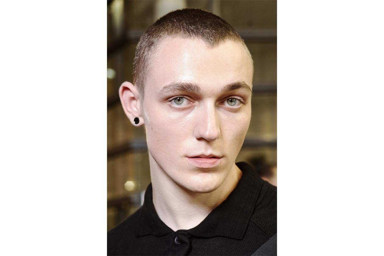 Taglio capelli uomo effetto spettinato