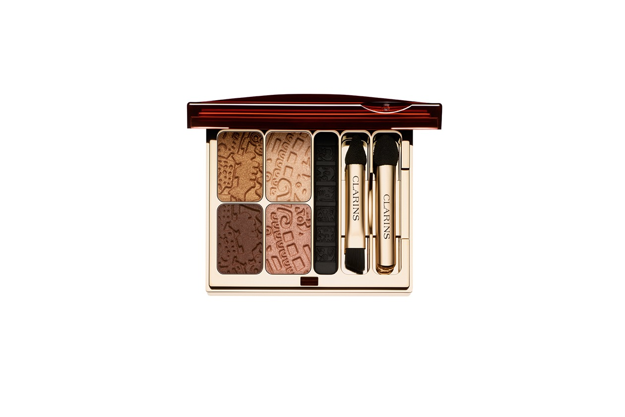 Beauty Mila Kunis palette yeux ombres et liner ouvert