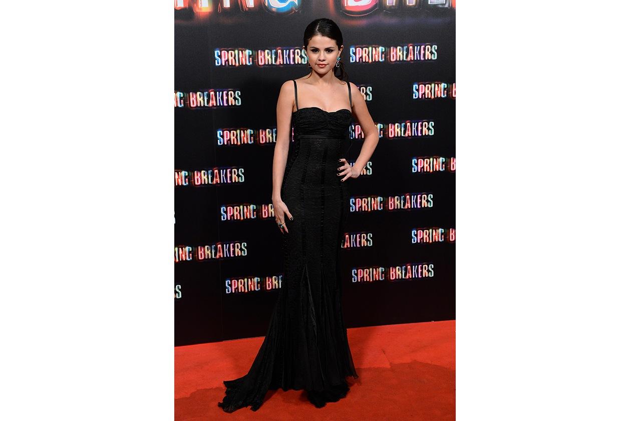 Fashion Selena 04