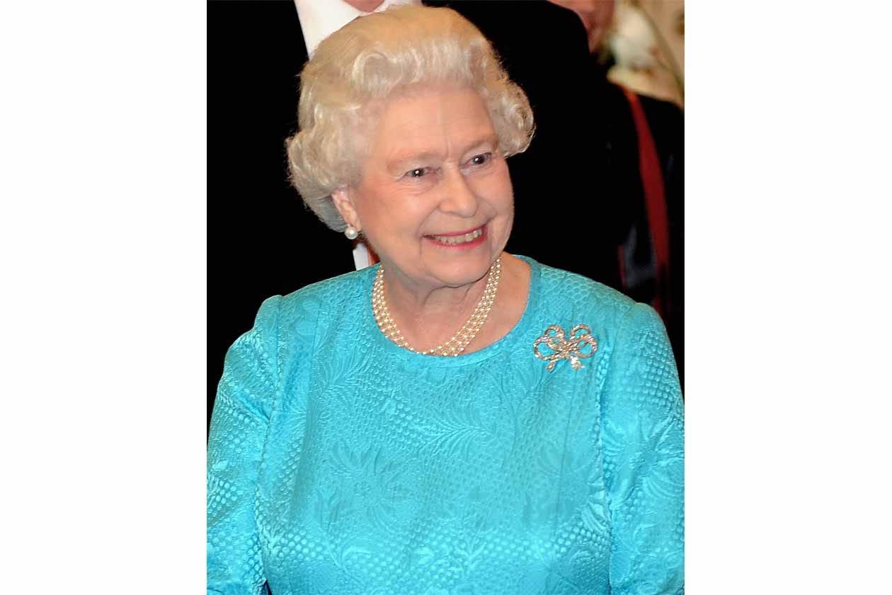 A questo punto non ci resta che augurare «Lunga vita alla Regina!»