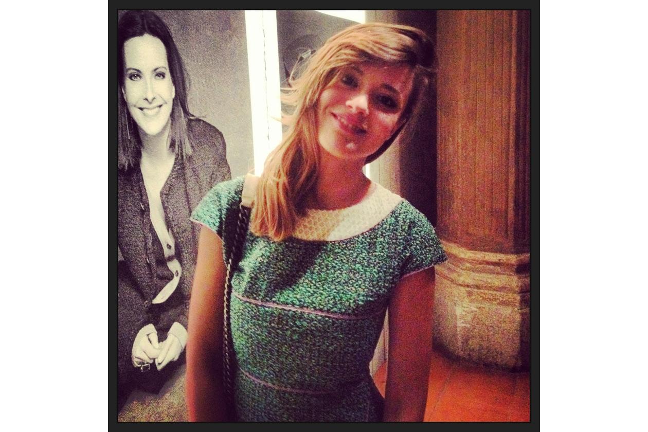 """Una scatto di Valeria alla mostra """"The Little Black Jacket"""" di Chanel"""