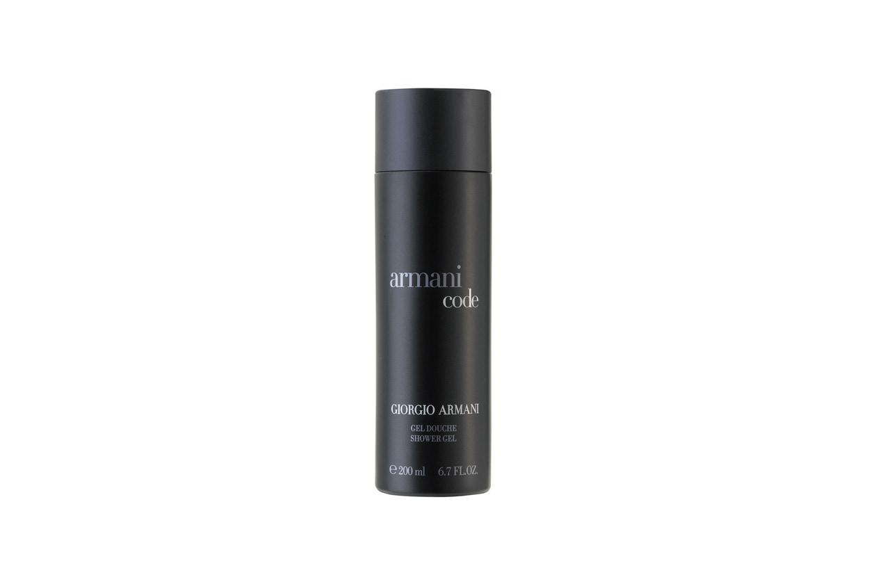 Per chi ama le fragranze by Giorgio Armani c'è il Giorgio Armani Code Gel doccia che deterge delicatamente corpo e capelli