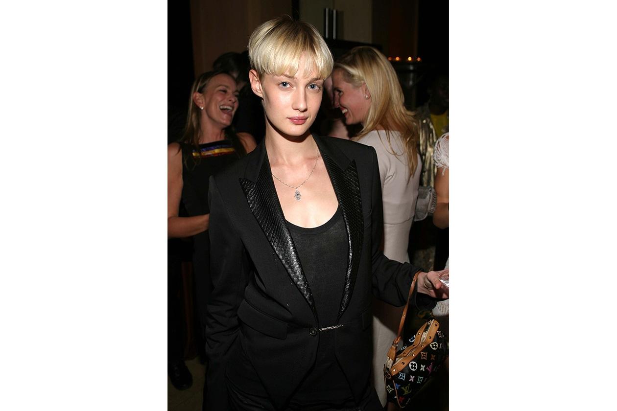 Uno dei primi scatti con i capelli corti alla garçonne (2004)