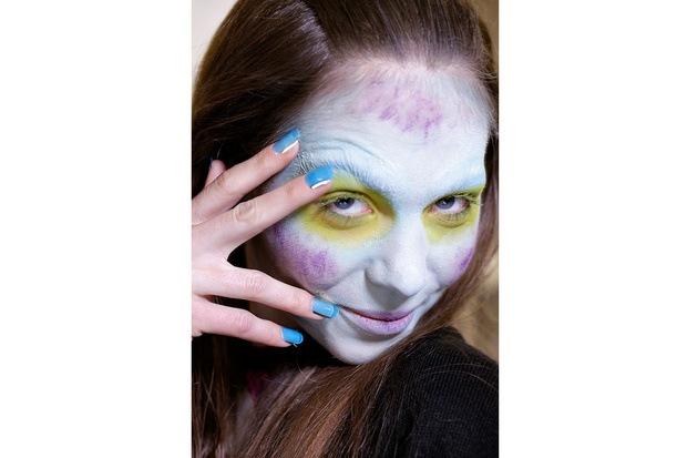 Vivienne Westwood loves multicolor nails hg temp2 s full l