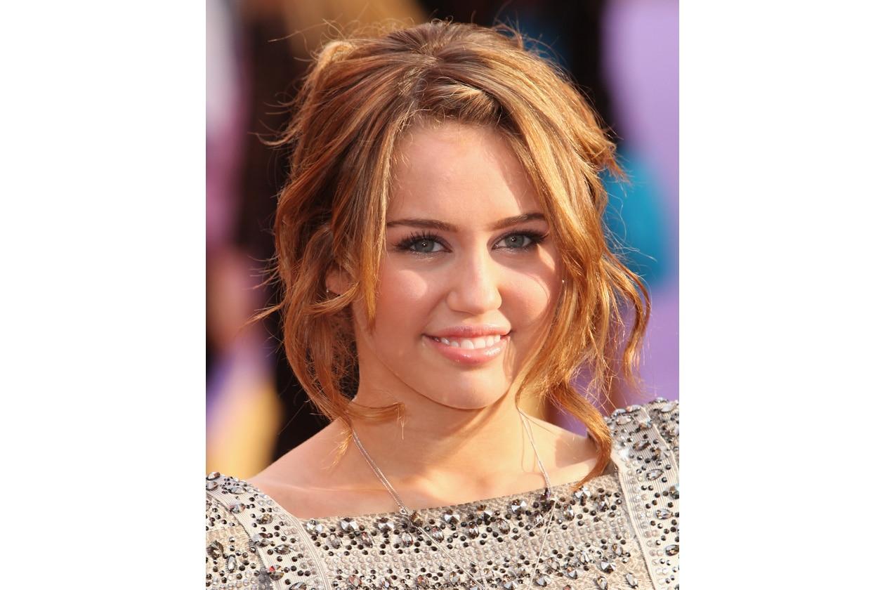 """Raccolto neoromantico alla premiere di """"Hannah Montana: The Movie"""" (aprile 2009)"""