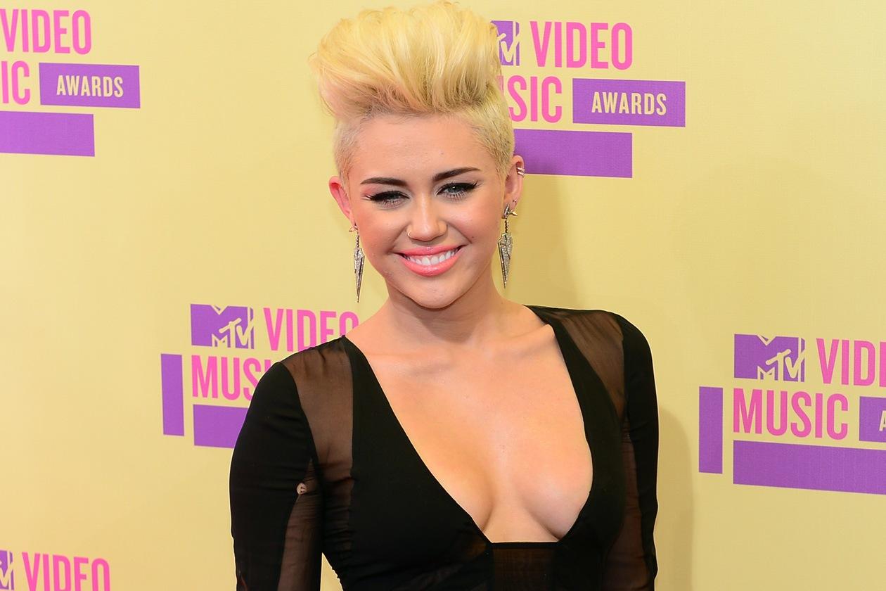 Volume hair agli MTV Video Music Awards di Los Angeles (settembre 2012)