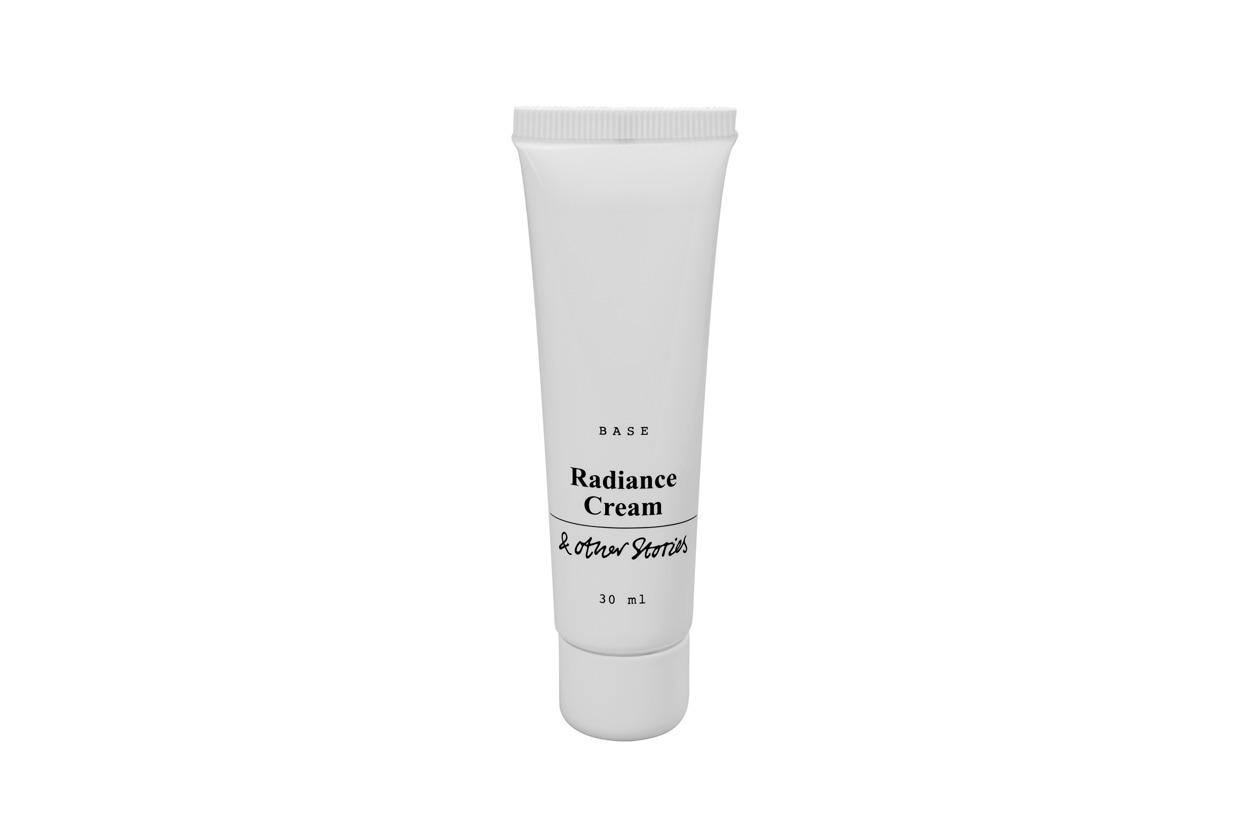 Da & Other Stories arriva la nuova Radiance Cream Crema illuminante, un soin fluido a elevato contenuto di acqua