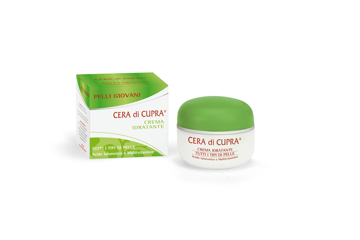 Dalla texture leggera e fresca, la Crema Idratante Cera di Cupra Pelli Giovani contiene acido ialuronico e vitamine A, E, C e H