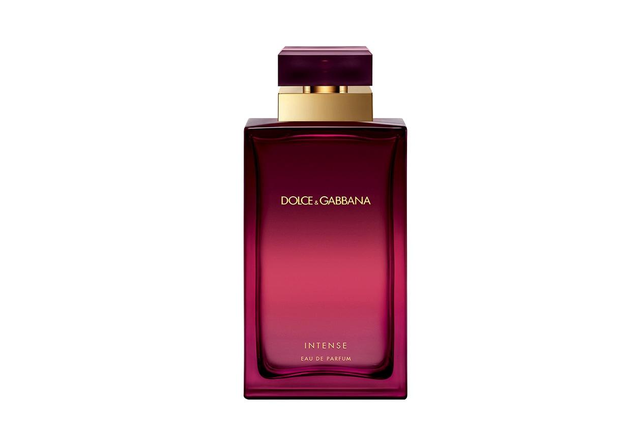 Dolce&Gabbana Pour Femme Intense è una fragranza orientale fiorita nata dall'accostamento di nobili fiori bianchi