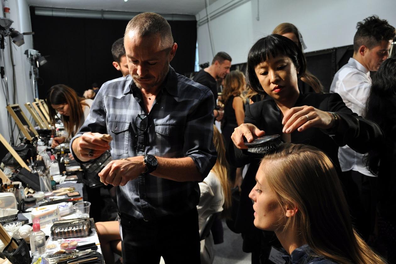 Il make up artist Tom Pecheux di MAC Cosmetics ha curato il look delle modelle di N.21