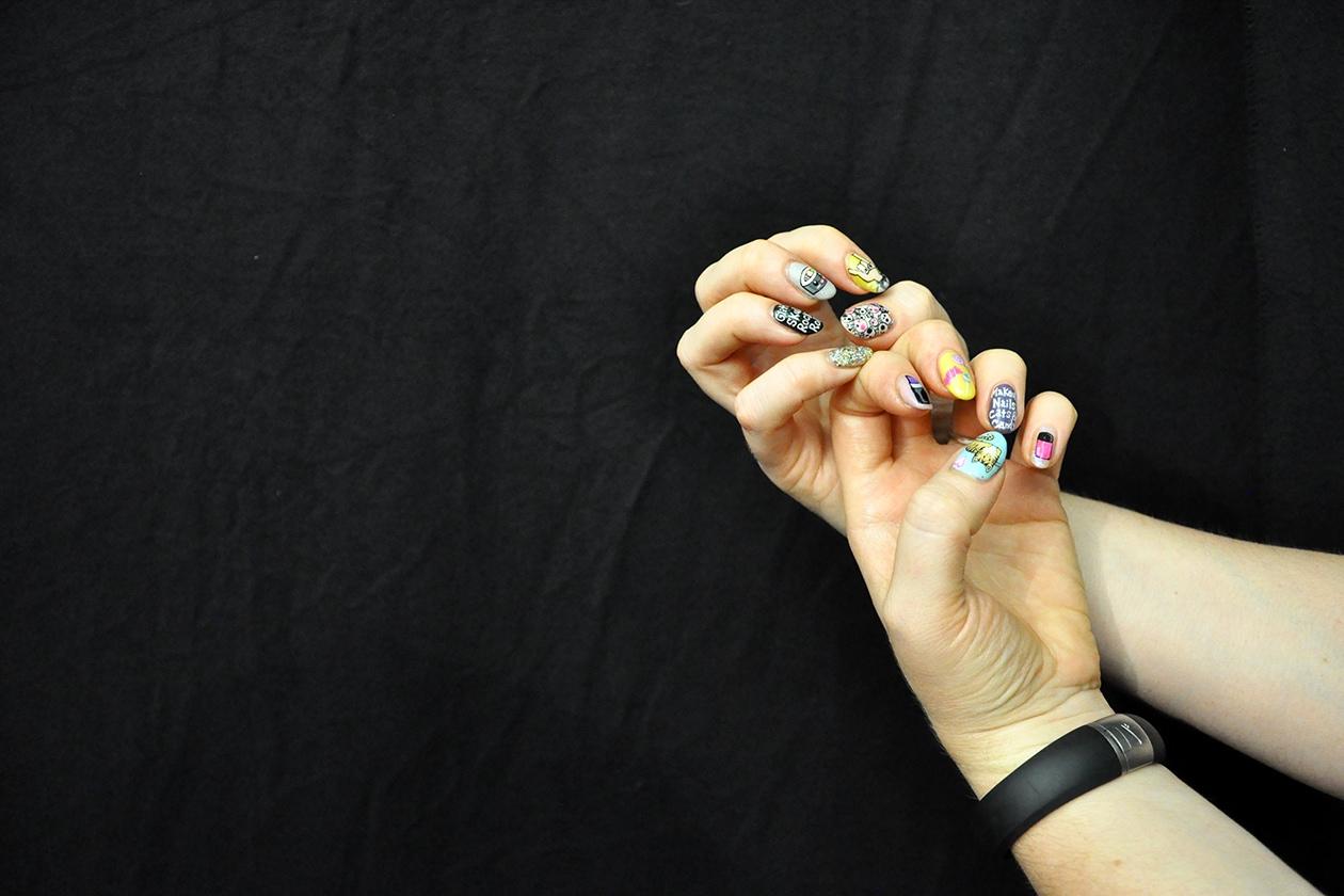 La fantasiosa manicure di Keri Blair, Senior Artist MAC