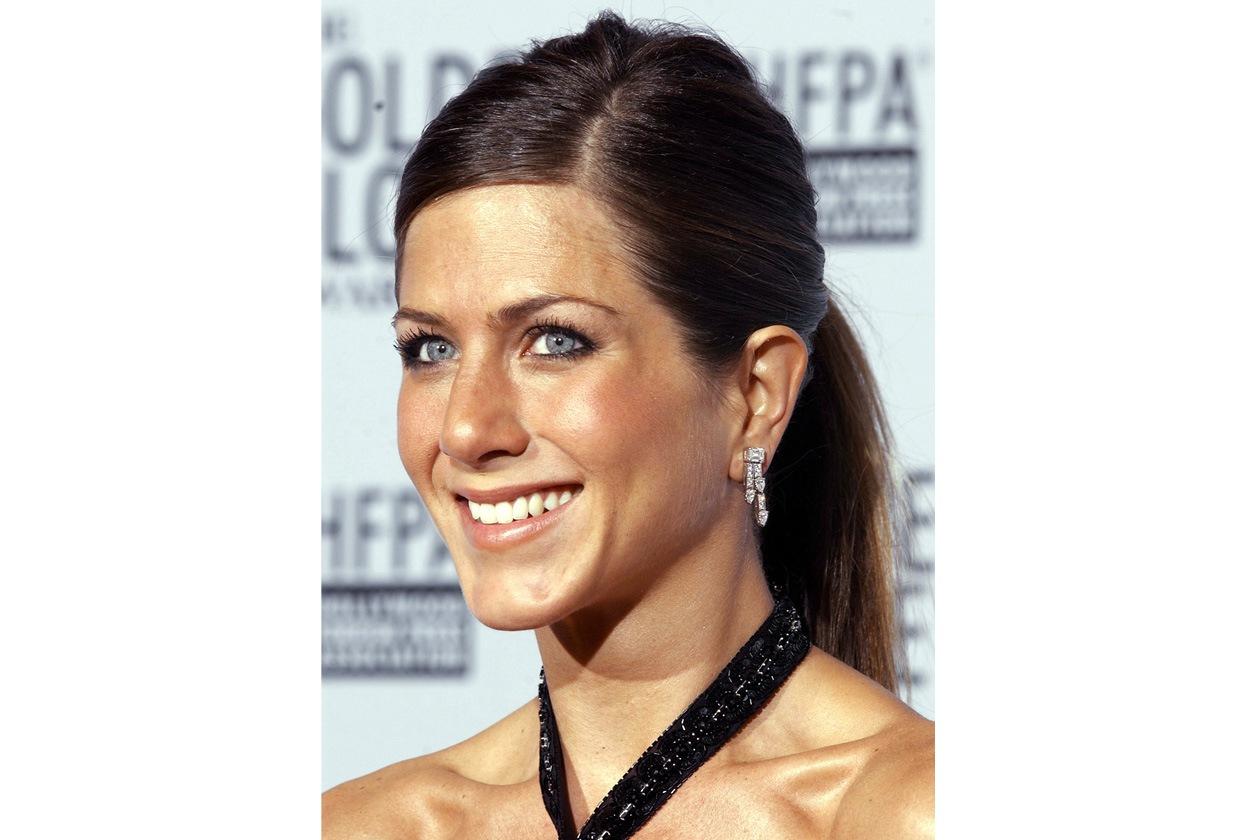 Lisci, raccolti e color castano scuro per i Golden Globes del 2003