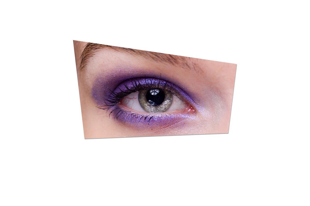 Smokey eyes viola per la modella di Jason Wu