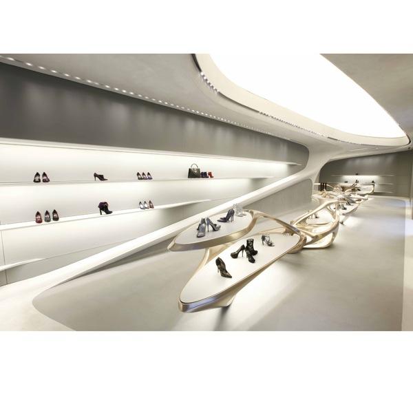 Stuart Weitzman: il nuovo store a Milano