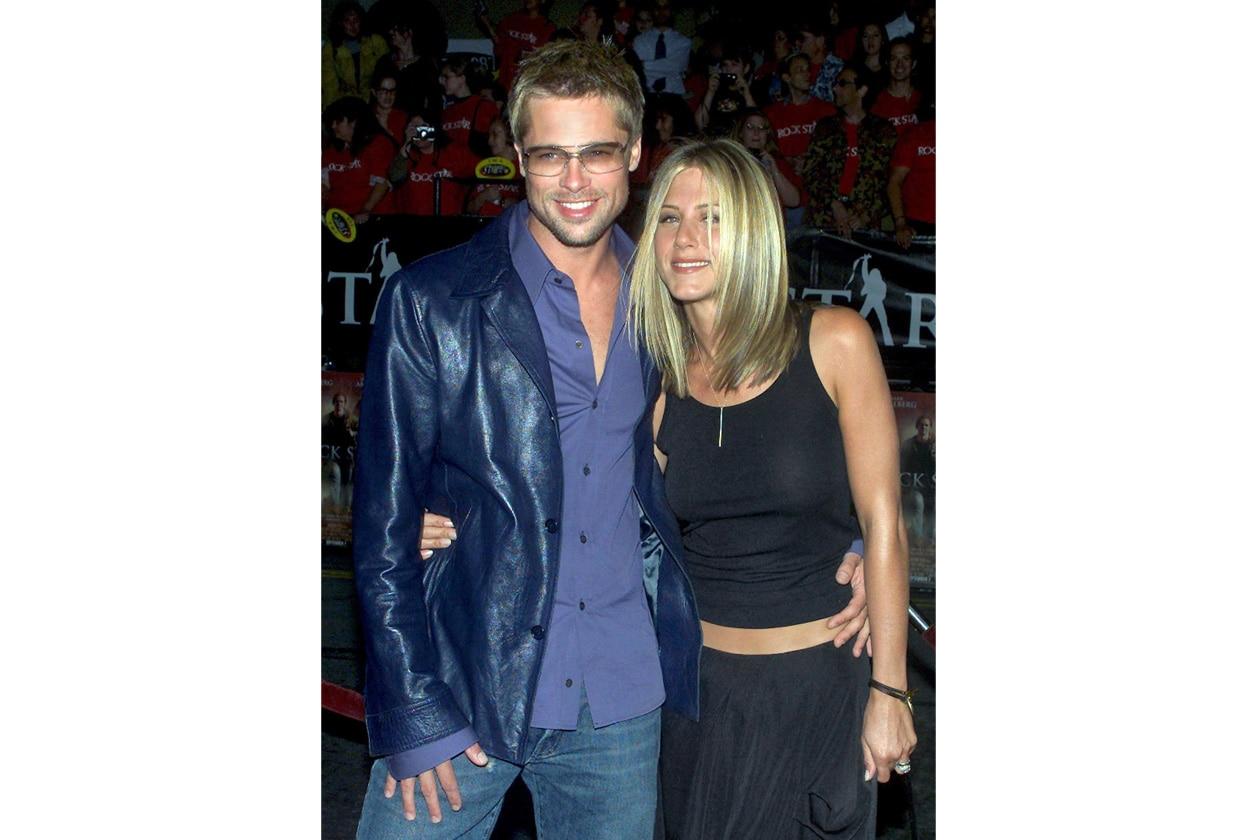 Una chioma biondo platino sul red carpet con l'ex marito Brad Pitt
