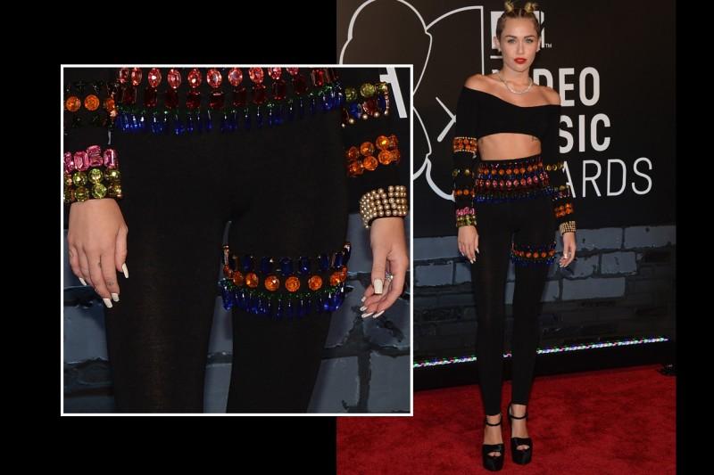 Bianco aggressivo per Miley Cyrus agli scorsi MTV Video Music Awards