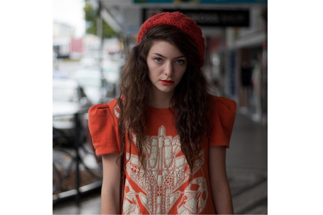 Lorde-singer-Royals-10