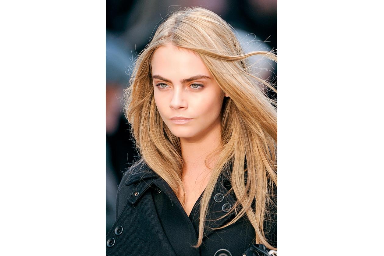 SPETTINATI: effetto vento fra i capelli per Burberry Prorsum