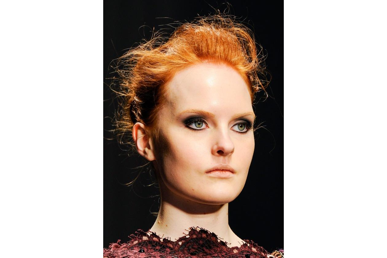 Toni bon ton anche per l'hairdo firmato Laura Biagiotti