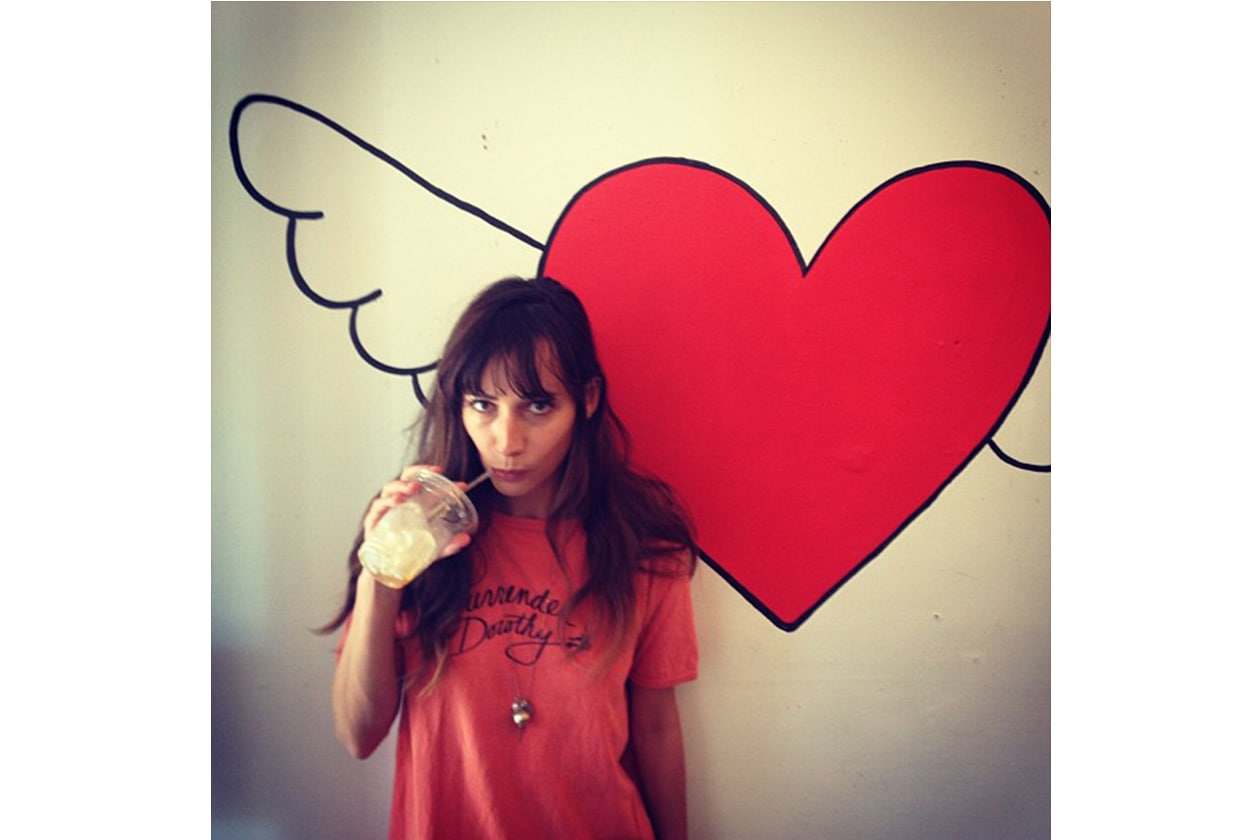 Rebecca Dylan: amica (e sosia) di Alexa Chung