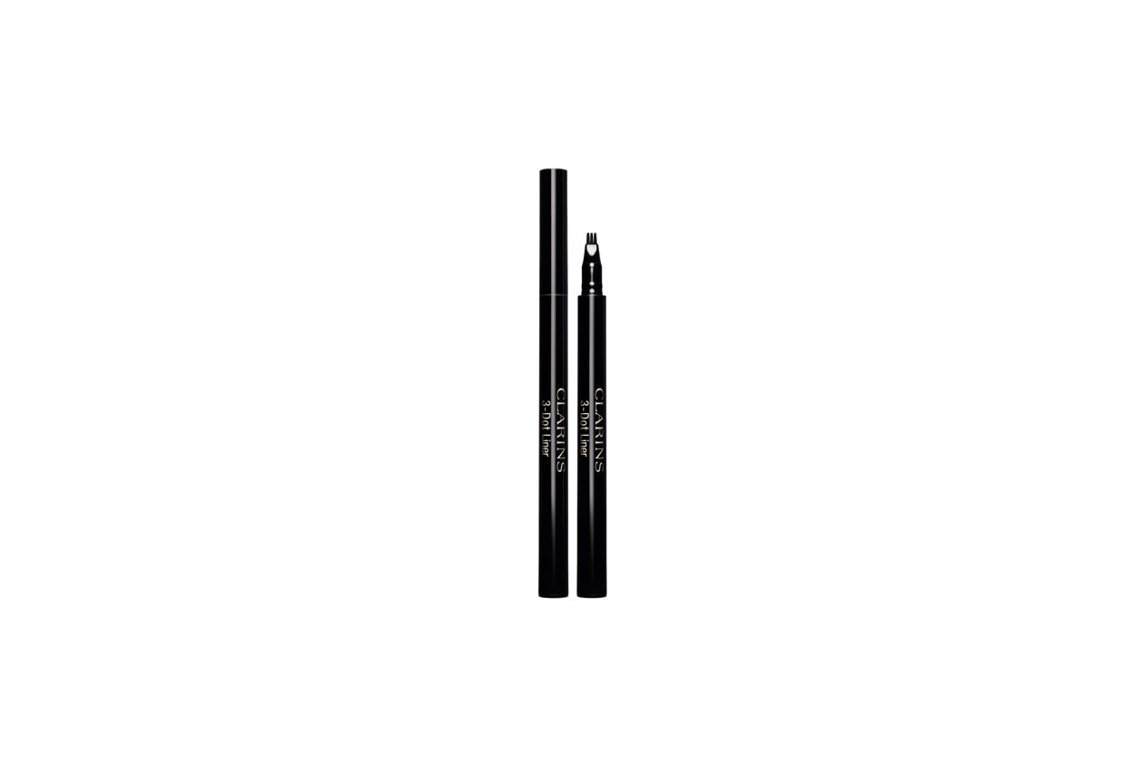 2 clarins 3 dot liner