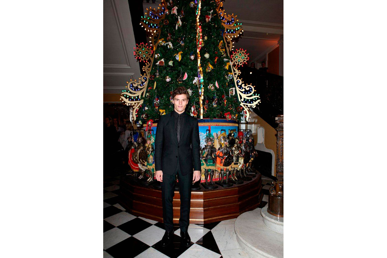 Claridge's Christmas Tree By Dolce & Gabbana OLIVER CHESHIRE