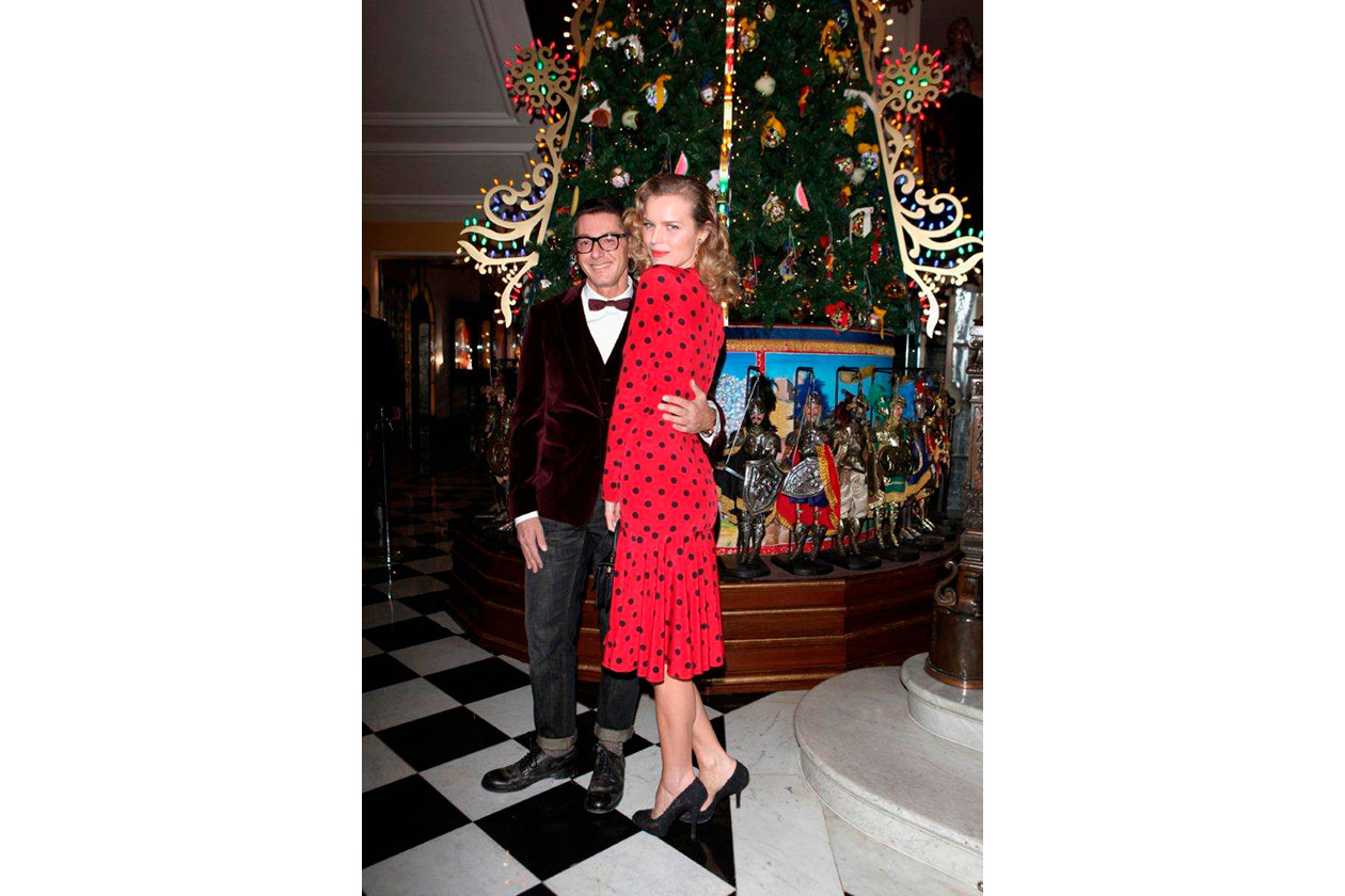 Claridge's Christmas Tree By Dolce & Gabbana STEFANO GABBANA & EVA HERZ…