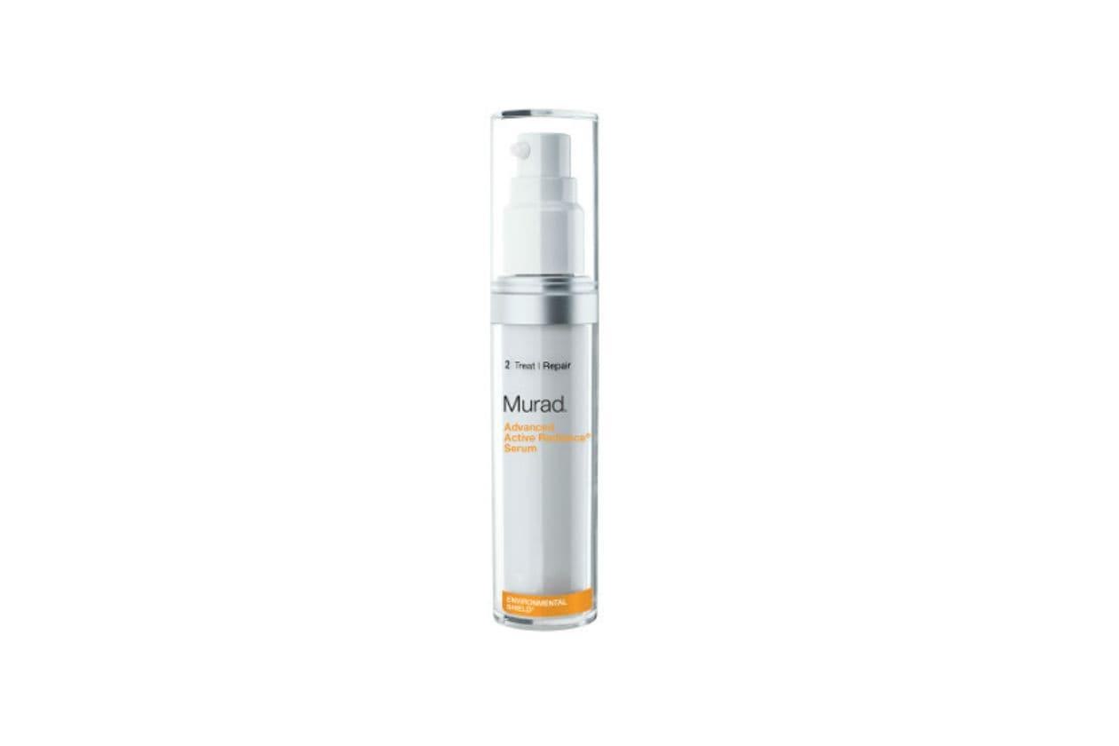L'Advanced Active Radiance Serum di Murad migliora la luminosità della cute, stimola la produzione di collagene e protegge dai radicali liberi