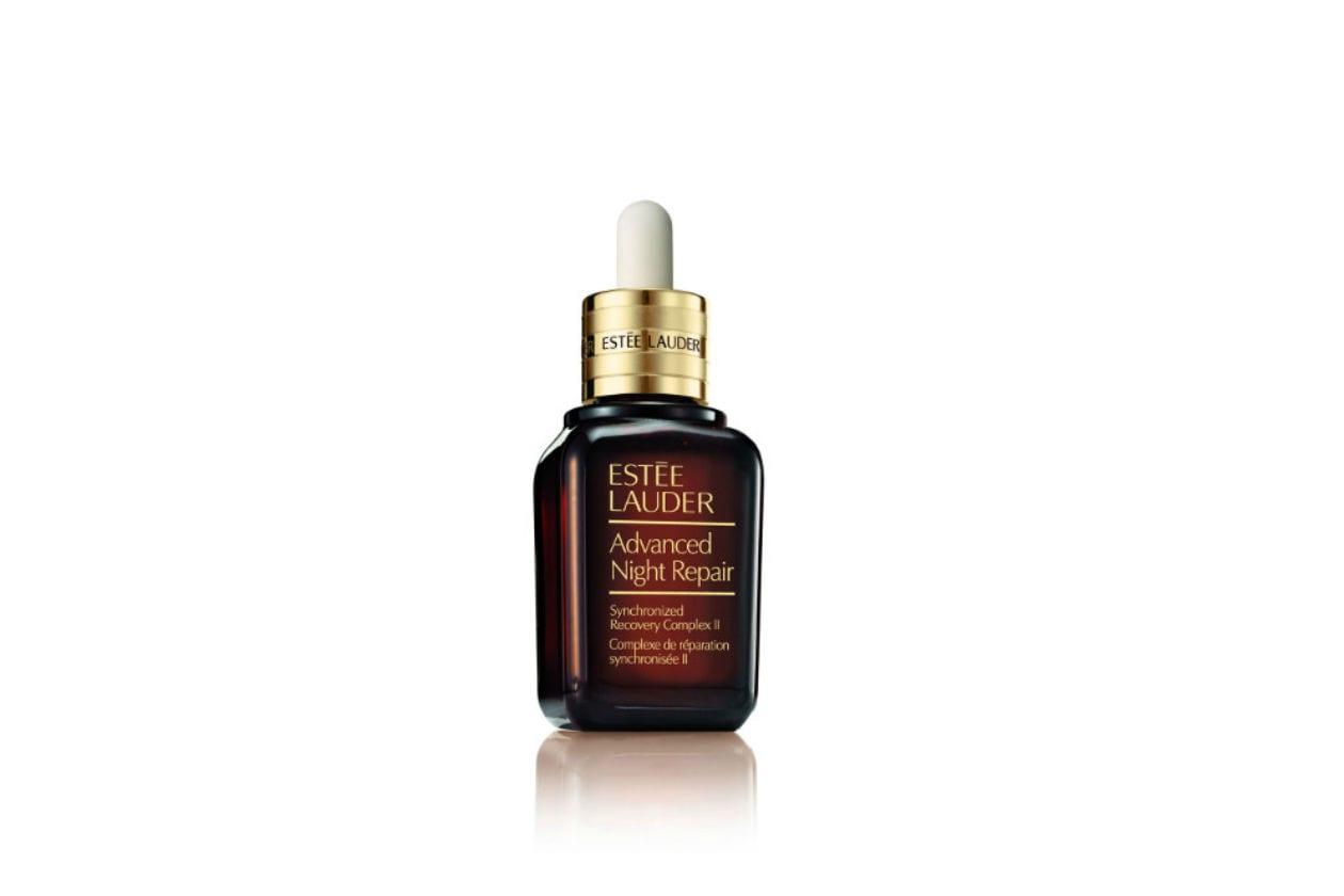 L'Advanced Night Repair Synchronized Recovery Complex II è il nuovo siero Estée Lauder che supporta il processo naturale di purificazione notturna