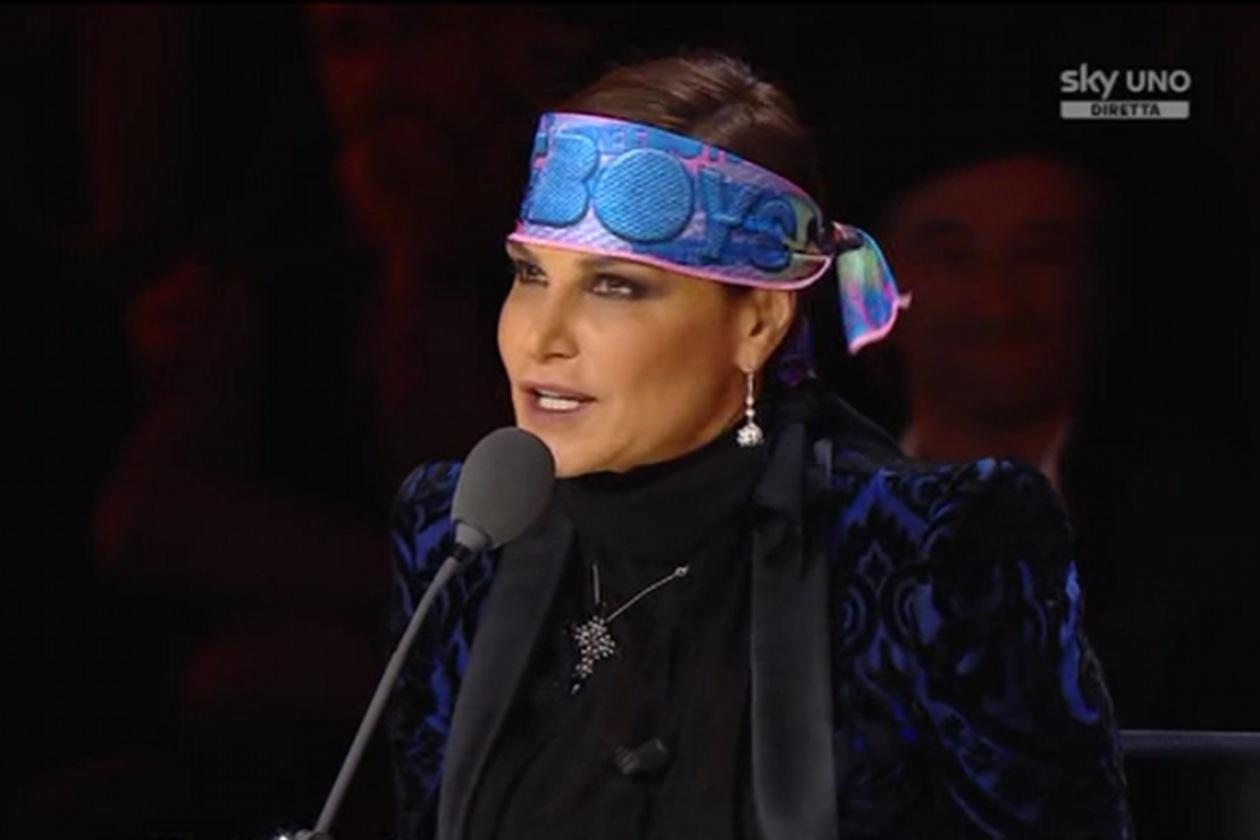 Simona Ventura con la fascia dei FreeBoys