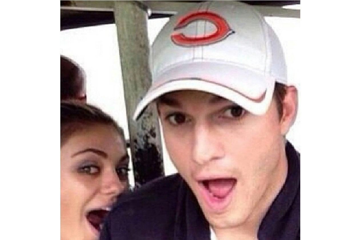 Ashton Kutcher: «Always trying to get in my pictures Mila Kunis (Cercando sempre di far venire nella foto anche Mila Kunis)»