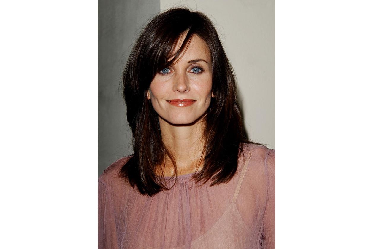 In una foto di qualche anno fa: l'attrice ama la frangia laterale (2002)
