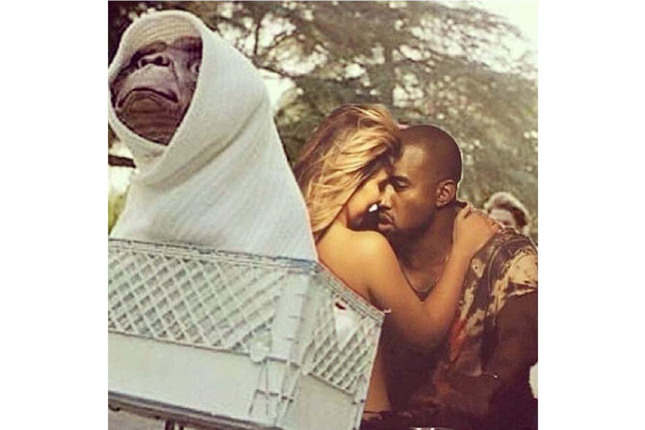 La nostra preferita però è questa: Kim e Kanye a cavallo della bicicletta con ET
