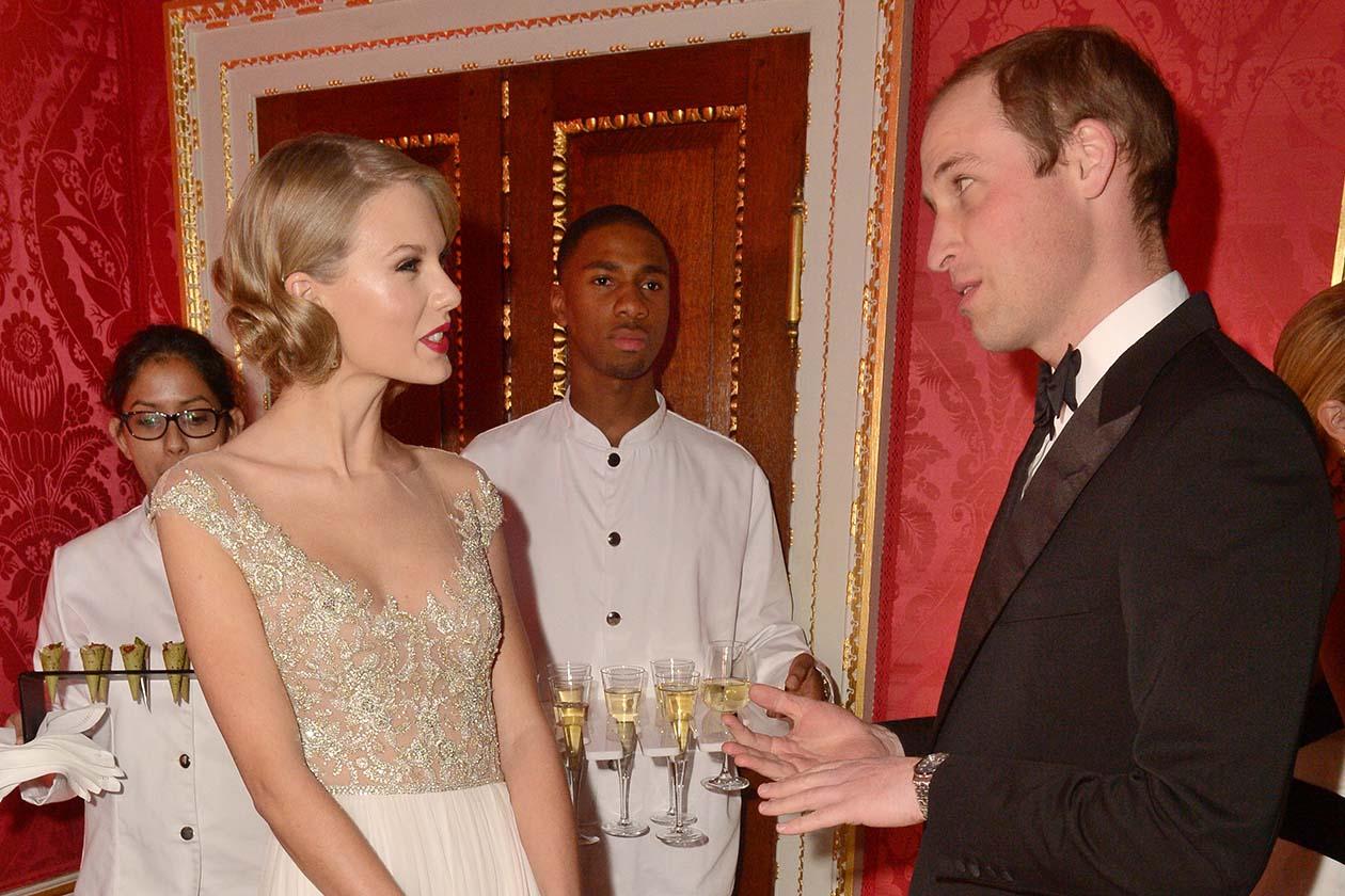Entuasiasta Taylor Swift, che a fine serata ha definito il Principe «una persona molto divertente»