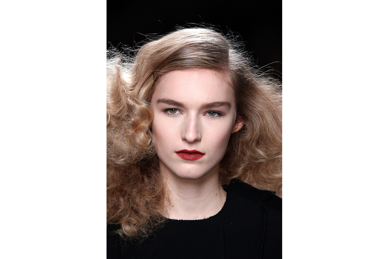 BLONDE HAIR: un biondo ricco di boccoli (Bottega Veneta)
