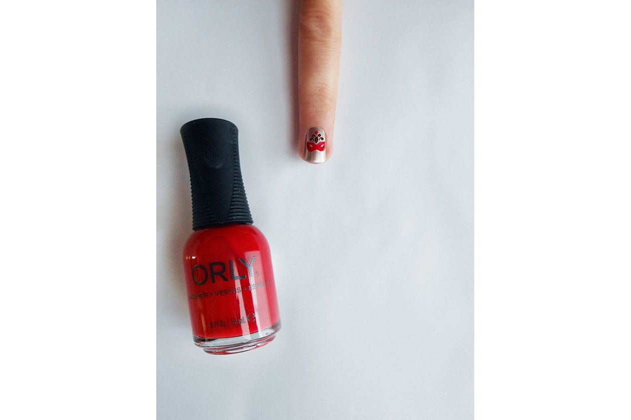 Beauty Nail tutorial Capodanno 05 step smalto