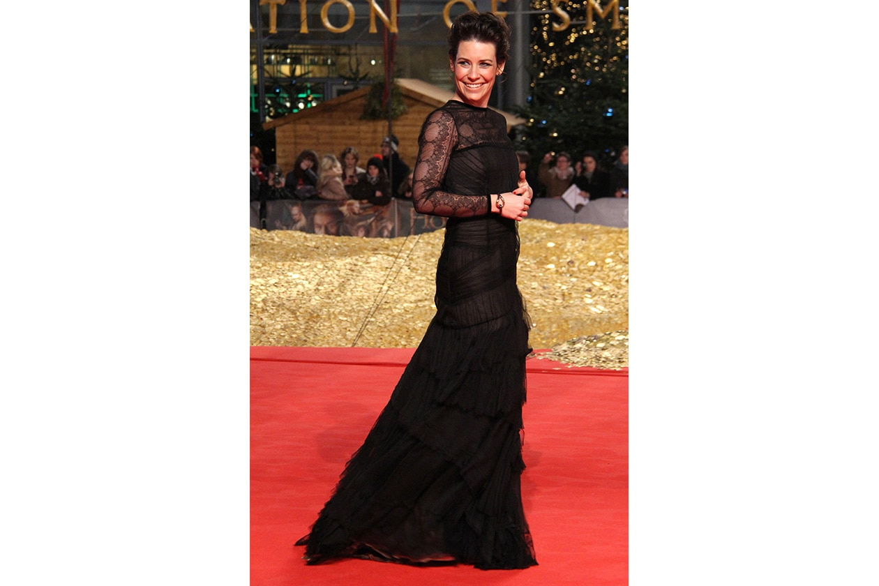 Fashion evangeline lilly Evangeline Lilly attended the Berlin premiere of The Hobbit wearing a black lace and tulle gown from the Fall 2013 Collection by Alberta Ferretti.