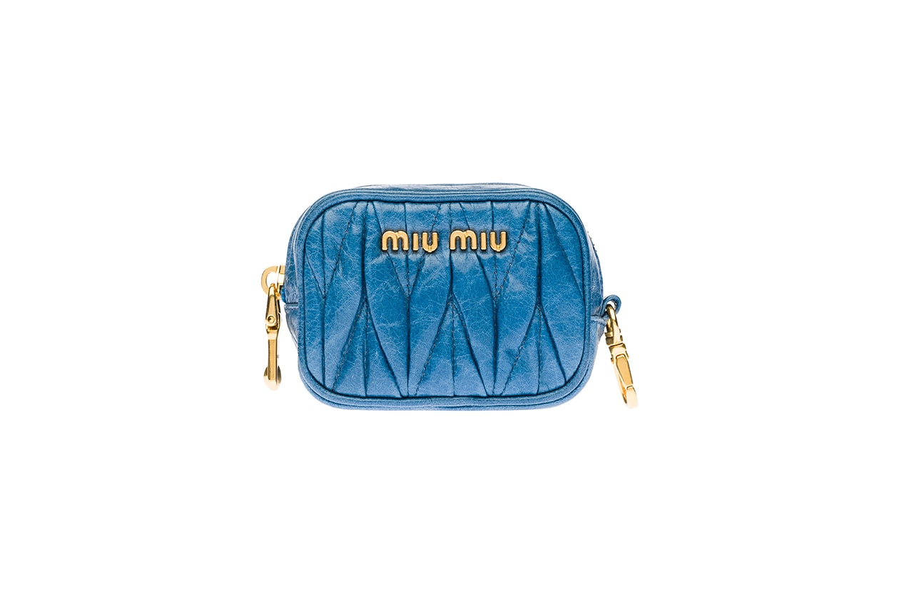 Fashion regali di Natale best friend portamonete miu miu 160 euro