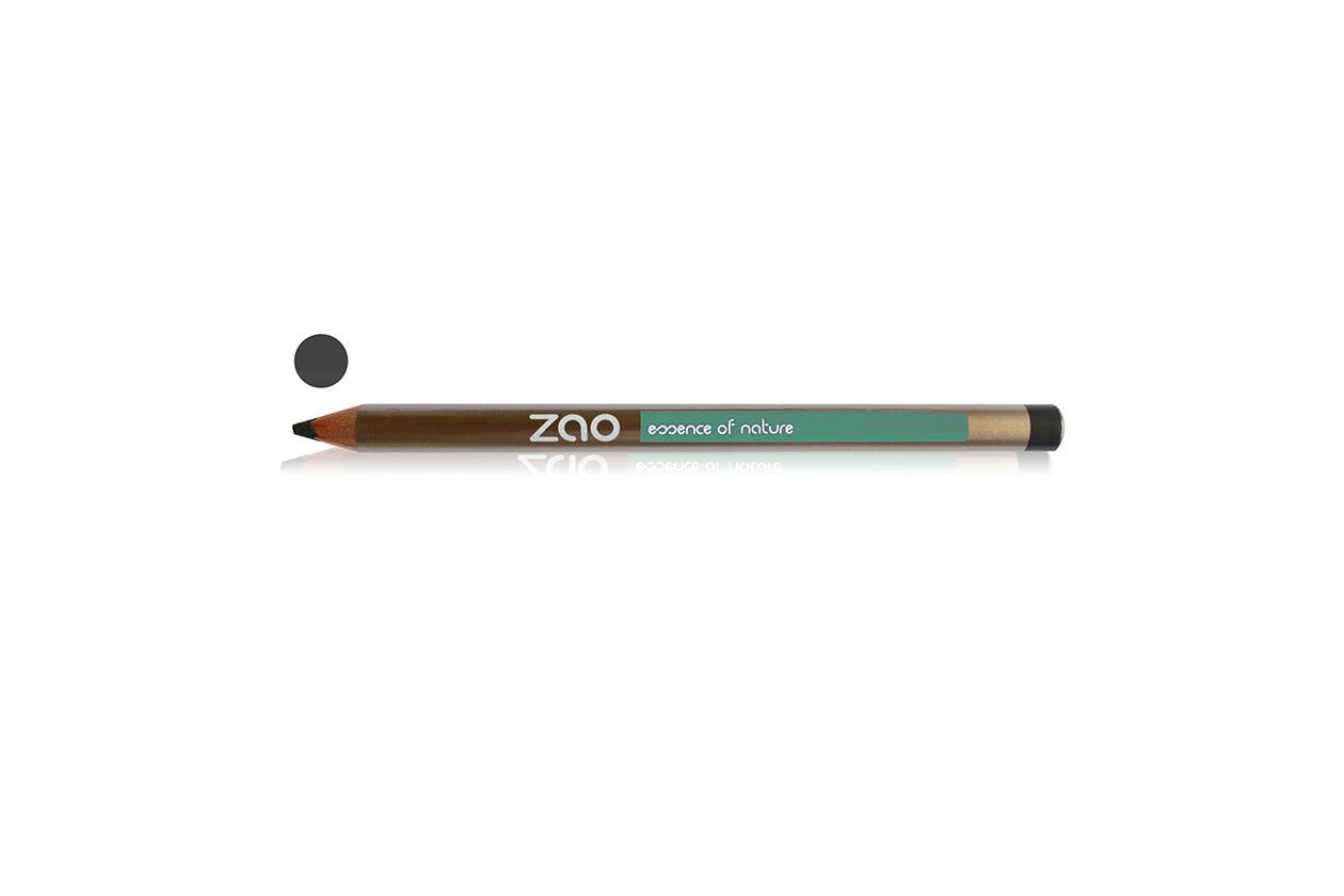 Make up naturale sugli occhi con il Crayon Yeux 607 Taupe di Zao Make up