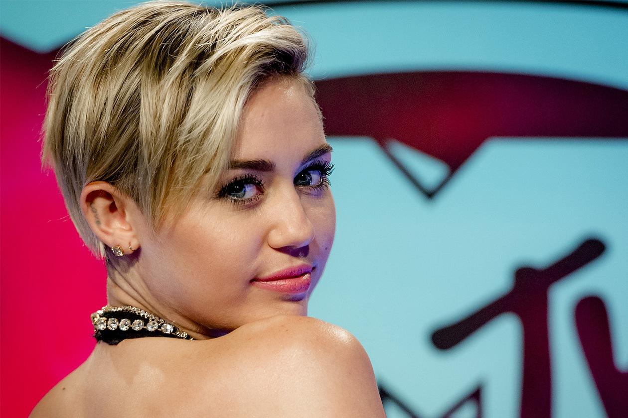 SIDECUT MANIA: è Miley Cyrus la regina di questa tendenza