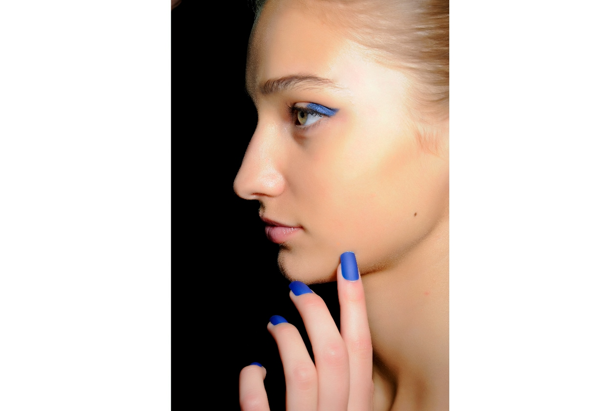 BEAUTY Frozen Nails Blue