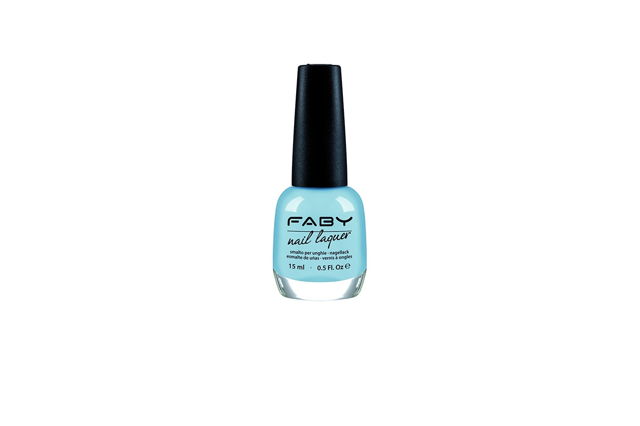 Beauty Placid Blue Manicure faby I'm waiting for my Prince